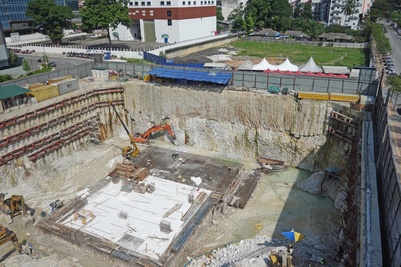 Basement excavation support in downtown Kuala Lumpur using soil mixing
